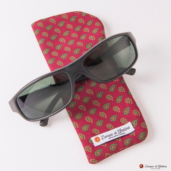 Burgundy with Paisley Patterns Eyewear Pocket Square