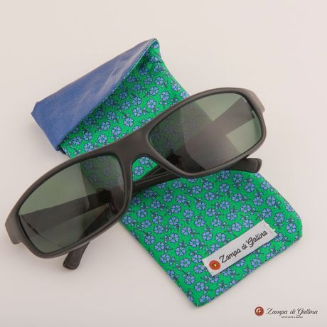 Green with flower patterns double-sided Eyewear Pocket Square